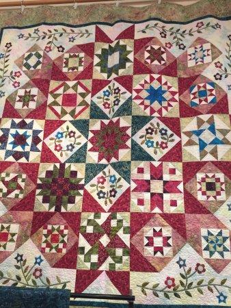 Latimer Quilt & Textile Center: photo3.jpg