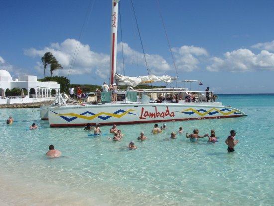 Simpson Bay, St. Maarten-St. Martin: beach stop on Anguilla