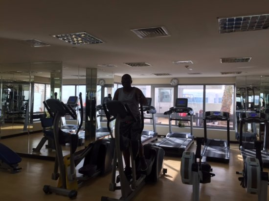 Grand Midwest Tower Hotel & Hotel Apartments: In the gym