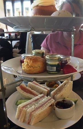 Barton under Needwood, UK: Afternoon tea