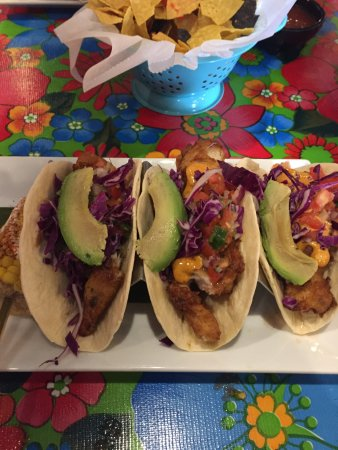 Mebane, Carolina del Norte: Mahi Mahi Tacos & Corn on the Cob