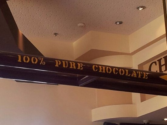 Max Brenner Netanya: Chocolate pipe!