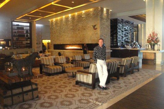Secrets The Vine Cancun : Lobby