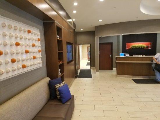 Aberdeen, MD: Lobby Area