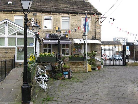 Huddersfield Central Lodge Hotel Photo