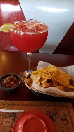 Countryside, IL: Margarita and chips