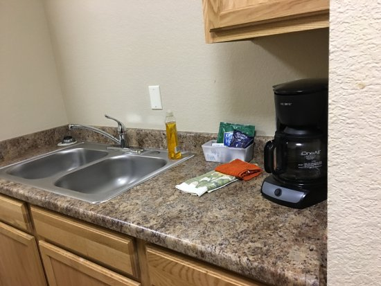 Woodland Park, CO: kitchenette with no stove. Plug in burners