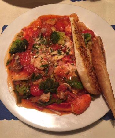 East Wakefield, NH: Seafood Primavera