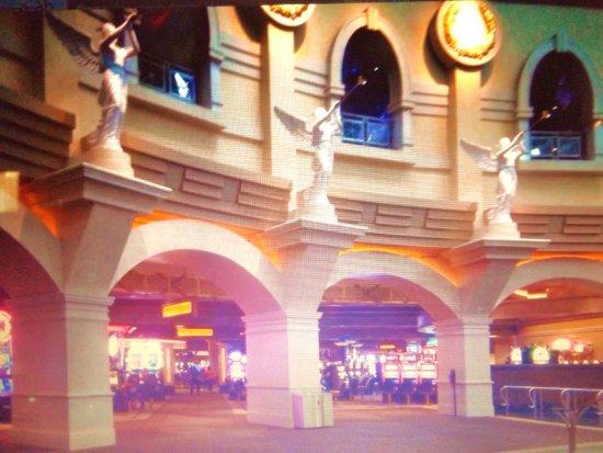 Caesars Windsor: Entrance to Casino