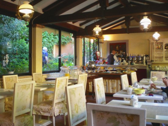 Hotel Porta San Mamolo: breakfast conservatory