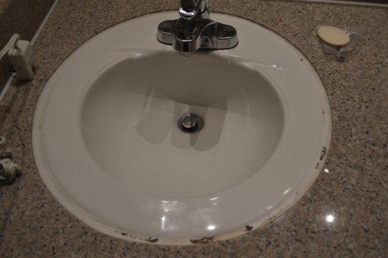 Modesto, CA: lavabos oxidados