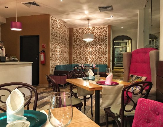 Illusion boutique hotel by xperience hotels au 93 a u for Illusion boutique hotel
