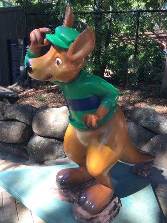 Currumbin, ออสเตรเลีย: Artistic Kangaroo
