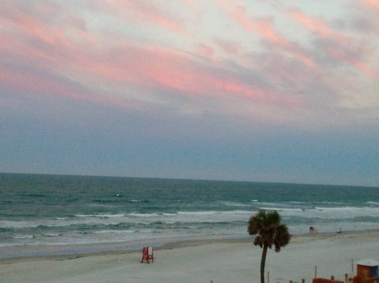 Best Western Daytona Inn Seabreeze: Sunrise in Daytona Beach