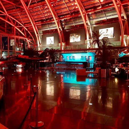 Bar Mayday - Red Bull Hangar-7 : photo0.jpg