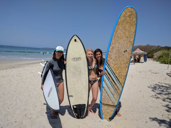 WildMex: Met other solo surfer chicas :)