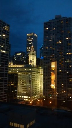 Homewood Suites by Hilton Chicago-Downtown: view from room- Wrigley building at night