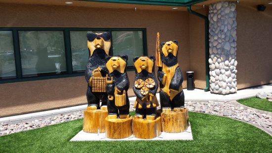 Bullhead City, AZ: The Bear family