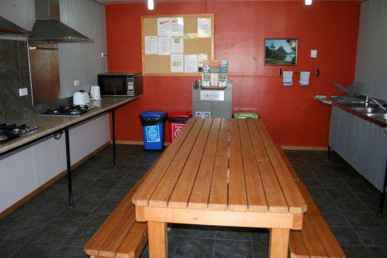 Whistling Frog Cafe & Bar: Camp kitchen