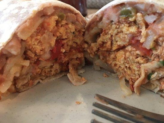 Tulare, كاليفورنيا: Chorizo breakfast burrito special.