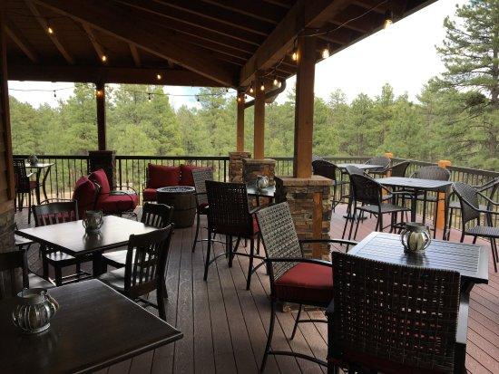 โชว์โลว์, อาริโซน่า: Outdoor patio overlooking the pines