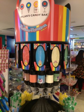 Dylan's Candy Bar: Dispensers de dulces