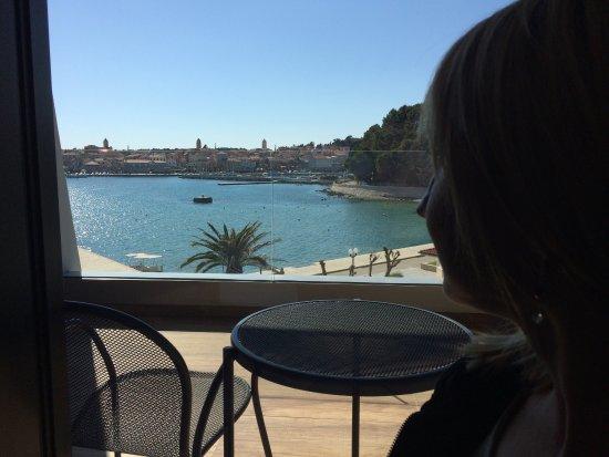 Banjol, Κροατία: Izvrstan hotel, nedavno renoviran, ljubazno osoblje. Preporučam