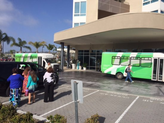 Holiday Inn San Diego-Bayside: Two of three shuttle buses refused to hotel guests.