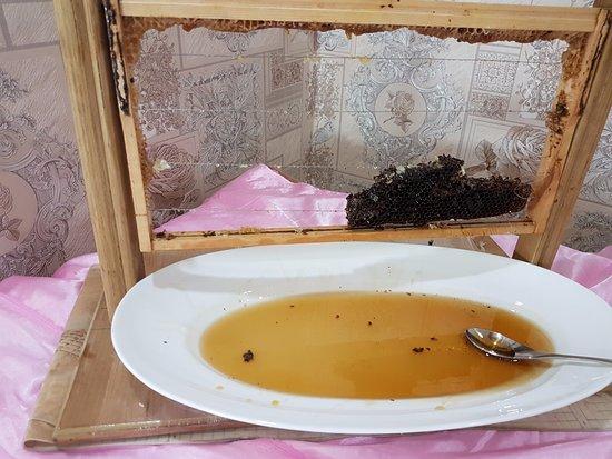 Basrah, עיראק: Original Honey
