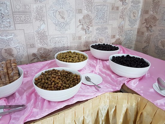 Basrah, עיראק: Providing different types of Olive