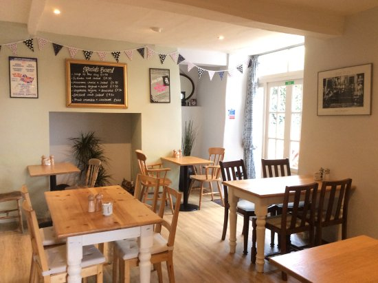 Sturminster Newton, UK: We do not serve fast food, but fresh food - as fast as we can!