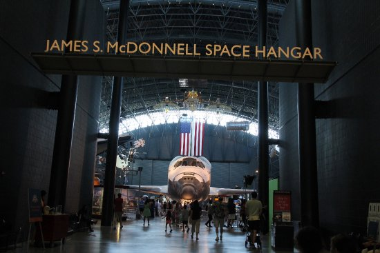 Chantilly, VA: Smithsonian National Air and Space Museum - Space Shuttle
