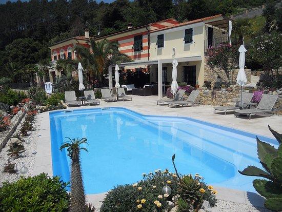 B&B Villa Amaranta: Villa Amaranta zona piscina