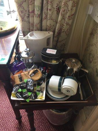 Bailbrook Lodge: Welcome tray
