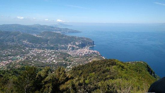 Monte Faito e Panorama: Da uno spiazzo della strada per Monte Faito