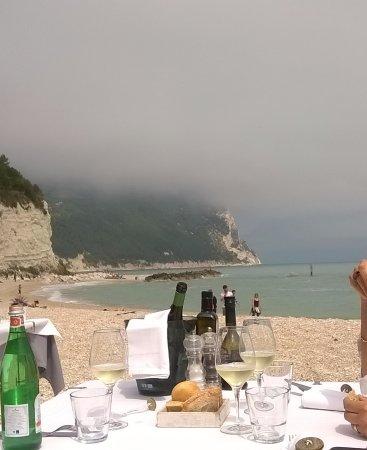 Ristorante Arturo Cucina di Mare: Posizione del ristorante sul mare