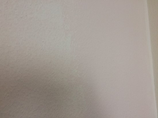 Ruesselsheim, Germany: The two-tone woodchip wallpaper