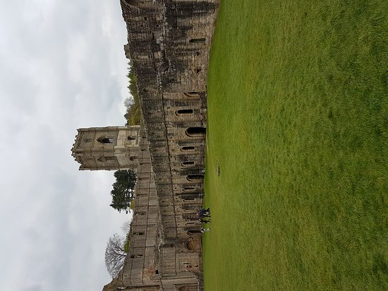 Ripon, UK: Fountains Abbey and Studley Royal Water Garden