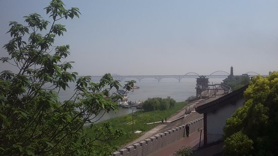 Xunyang Tower: A view of the Yangtze River Bridge.