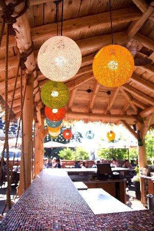 Le Cafe de la Brulerie: Tiki Bar