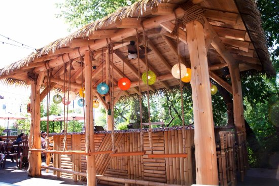 Le Cafe de la Brulerie: Notre tiki Bar, parfait pour se sentir en vacance