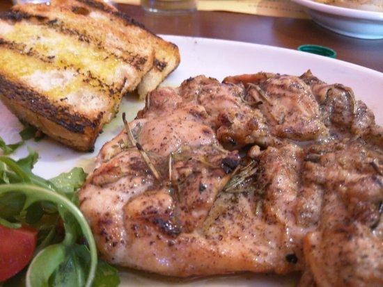 San Lorenzo Nuovo, Italien: Ottima tagliata di pollo accompagnata da una bruschetta e un po' di rucola