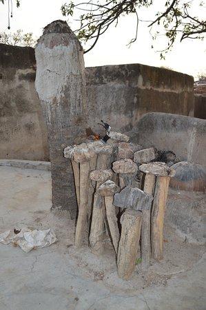 Bolgatanga, Ghana: Een van de vele shrines in het dorpje