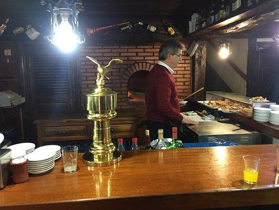 "Pradena, Spanyol: Restaurante Las Tres ""BBB"""