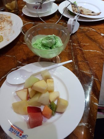 Dubai Grand Hotel By Fortune: Grand Hotel provides a lot of different types of Sweets, Ice cream and fruits