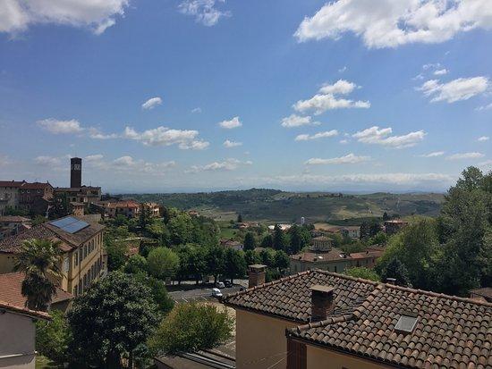 Vista dalla terrazza - Picture of Villa Prato, Mombaruzzo - TripAdvisor