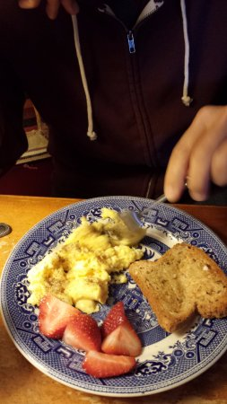 Sheffield, MA: They made us some scrambled eggs!