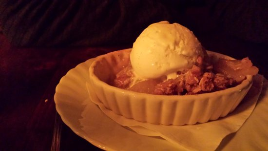 Sheffield, MA: To-die-for : warm apple cobbler a la mode (with a scoop of vanilla ice cream)