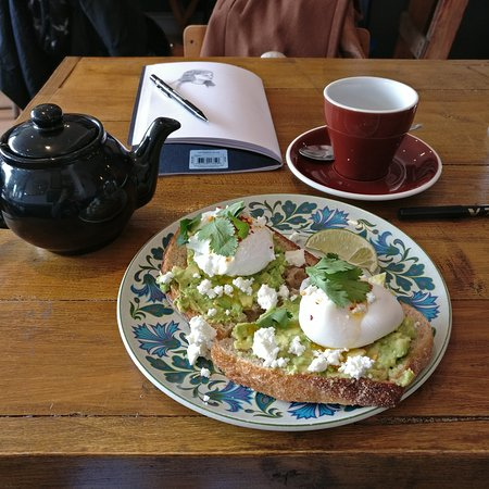 Northamptonshire, UK: Sunday's avocado toast xx