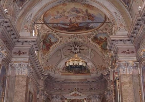 Chiesa di San Michele Arcangelo: Interno